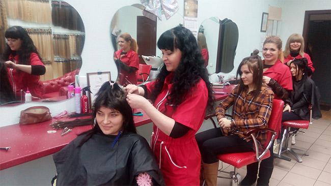 Наращивание волос в Москве недорого низкие цены в салоне